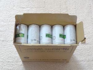 緑でサラナの箱の中身、30缶がぎっしり
